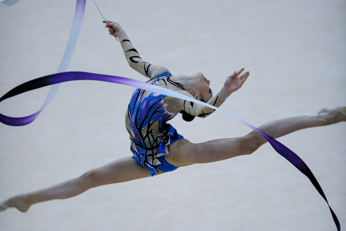 Laura Halford competes with ribbon at the British Championships