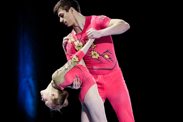 Dominic Smith and Alice Upcott acrobatic gymnastics pair performing in competiti