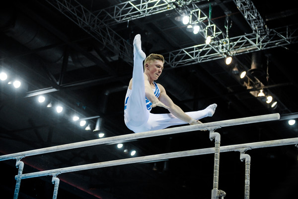 Nile Wilson demonstrates his brilliance on the parallel bars